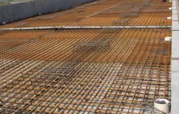 鋼材施工現場
